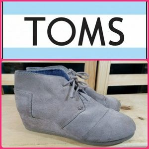 TOMS  Suede Lace Up Wedge Ankle Booties Youth